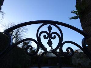Gate (perfect blue)