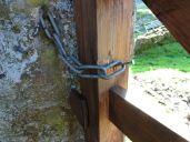 Nail / Chain